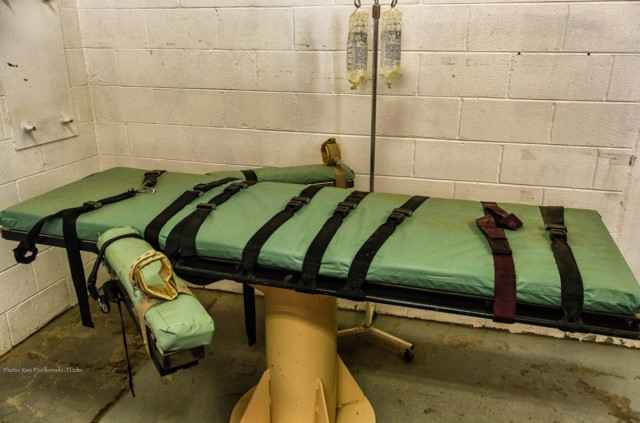 lethal injection table.jpg